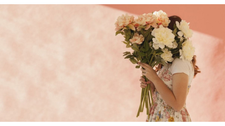 """What the """"FLORIST'S CHOICE ARRANGEMENT"""" is, and how to order it"""